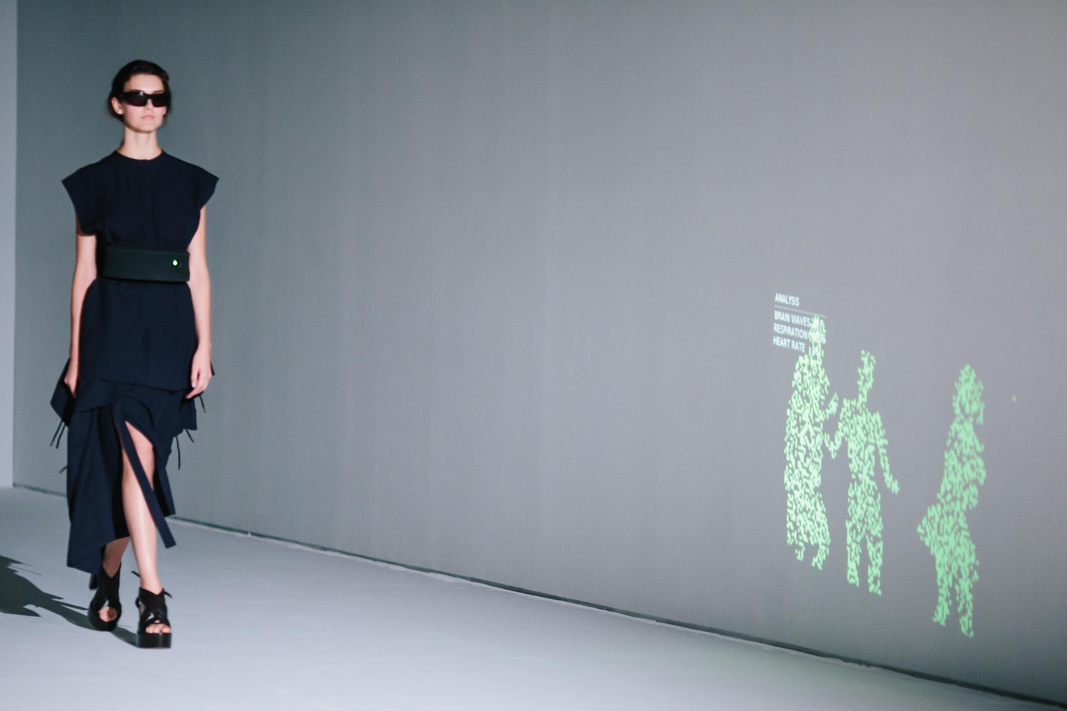 vestido-proyector.jpg